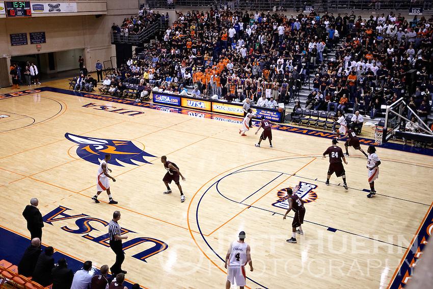 SAN ANTONIO, TX - JANUARY 28, 2009: The Texas State University Bobcats vs. The University of Texas at San Antonio Roadrunners Men's Basketball at the UTSA Convocation Center. (Photo by Jeff Huehn)