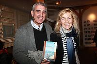 """JULIEN CAFARO & SYLVIE BOURGEOIS HAREL - Dedicace de Sylvie Bourgeois Harel pour la sortie de son nouveau livre """"Sophie ‡ Saint Tropez"""""""