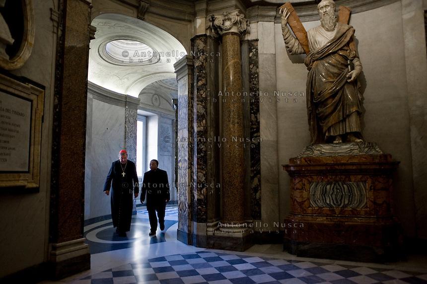Citta del Vaticano, 20 Novembre, 2014. Il cardinale George Pell cammina all'interno della Basilica di San Pietro. <br /> Australian Cardinal and Prefect of the Secretariat for the Economy, George Pell (L) walks into the interior of St. Peter Basilica