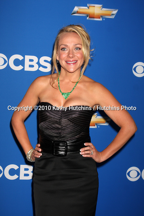 LOS ANGELES - SEP 16:  Nicole Sullivan arrives at the CBS Fall Party 2010 at The Colony on September 16, 2010 in Los Angeles, CA