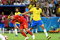 KAZAN - RUSIA, 06-07-2018: MIRANDA (C) (Der) jugador de Brasil disputa el balón con Eden HAZARD (C) (Izq) jugador de Bélgica durante partido de cuartos de final por la Copa Mundial de la FIFA Rusia 2018 jugado en el estadio Kazan Arena en Kazán, Rusia. / MIRANDA (C) (R) player of Brazil fights the ball with Eden HAZARD (C) (L) player of Belgium during match of quarter final for the FIFA World Cup Russia 2018 played at Kazan Arena stadium in Kazan, Russia. Photo: VizzorImage / Julian Medina / Cont