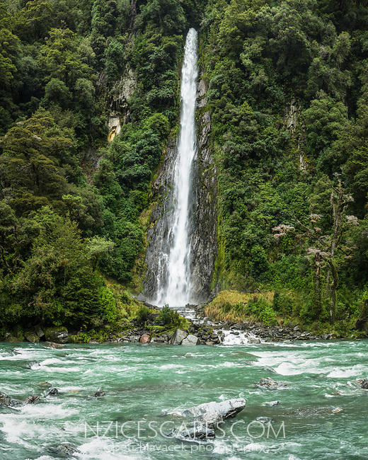 Thunder Falls and Haast River near Haast, West Coast, UNESCO World Heritage Area, South Westland, New Zealand, NZ