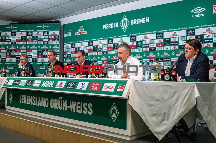 10.07.2020, PK-Raum in der Ostkurve des wohninvest Weserstadions , Bremen, GER, Pressekonferenz der Geschäftsführung Werder Bremen<br /> Zum Abschluss der Saison 2019/2020 lud der SV Werder Bremen  zur PK ein - Thema: Ergebnisse der Gespräche zur Aufarbeitung der zurückliegenden Bundesligasaison<br /> <br /> im Bild / picture shows <br /> <br /> v.li<br /> Marco Bode (Aufsichtsratsvorsitzender SV Werder Bremen)<br /> Florian Kohfeldt (Trainer SV Werder Bremen)<br /> Klaus Filbry (Vorsitzender der Geschäftsführung / Kaufmännischer Geschäftsführer SV Werder Bremen)<br /> Frank Baumann (Geschäftsführer Fußball Werder Bremen)<br /> Dr. Hubertus Hess-Grunewald (Geschäftsführer Organisation & Sport SV Werder Bremen)<br /> <br /> <br /> Foto © nordphoto / Kokenge