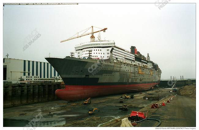 Construction of Queen Mary 2, Alstom Marine, Chantiers de l'Atlantique, Saint-Nazaire, France, June, 2003