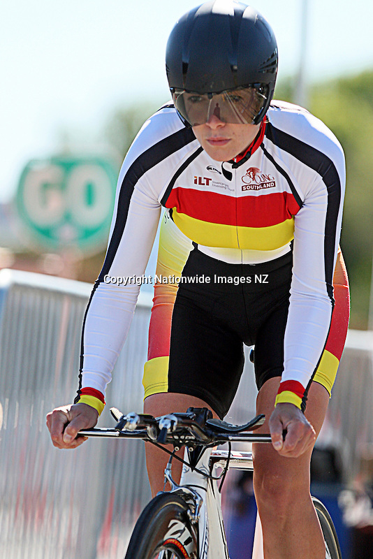 Southland's Gabrielle Vermunt in the Elite Women Road National Championships Time Trials, Lincoln, Christchurch, New Zealand, Friday, January 11, 2013. Credit:NINZ / Dianne Manson.