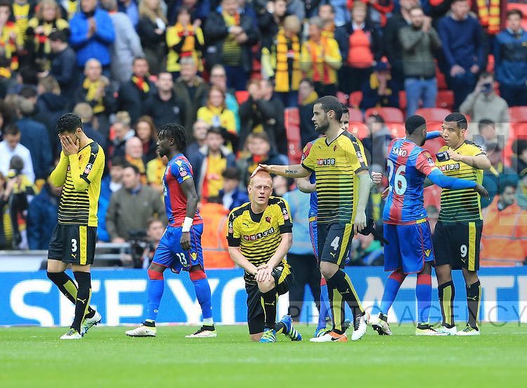 Watford's Ben Watson looks on dejected at the final whistle during the Emirates FA Cup, Semi-Final match at Wembley Stadium, London.  Photo credit should read: David Klein/Sportimage