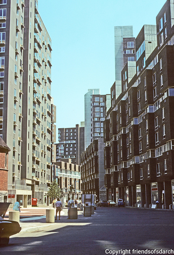 New York City: Roosevelt Island, East River--Main Street. Photo '78.
