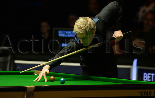 21.02.2016. Cardiff Arena, Cardiff, Wales. Bet Victor Welsh Open Snooker. Ronnie O'Sullivan versus Neil Robertson. Neil Robertson in play.
