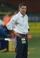 MEDELLÍN -COLOMBIA-23-08-2014. Juan Carlos Osorio tácnico de Atlético Nacional gesticula durante partido con Envigado FC por la fecha 6 de la Liga Postobón II 2014 jugado en el estadio Atanasio Girardot de la ciudad de Medellín./ Atletico Nacional coach Juan Carlos Osorio during the match against Envigado FC for the 6th date of the Postobon League II 2014 at Atanasio Girardot stadium in Medellin city. Photo: VizzorImage/Luis Ríos/STR