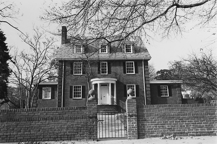 Real Estate house at corner of Arlington Ridge, Mcade Road. (Photo by Maureen Keating/CQ Roll Call via Getty Images)