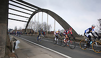 Ronde van Vlaanderen 2013..trying to break away