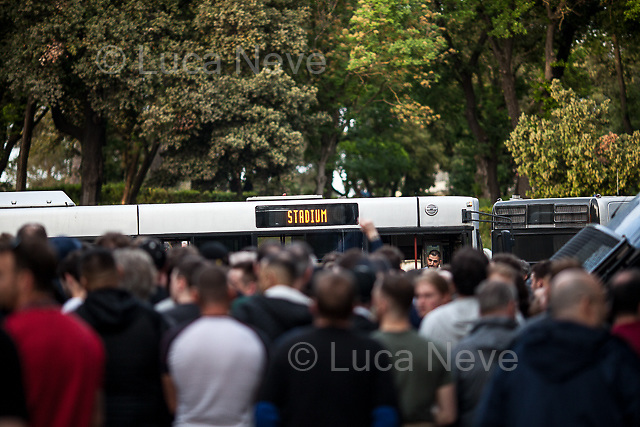 Few Liverpool F.C. supporters were not happy because, in their opinion, there was lack of buses ready to take them to the stadium.<br />
