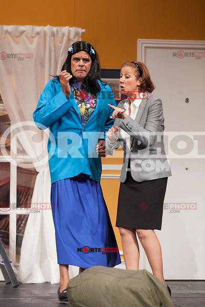 Actors Andoni Ferreno and Esperanza Elipein perform `El Clan de las Divorciadas´ theater play in Madrid, Spain. August 19, 2015. (ALTERPHOTOS/Victor Blanco)