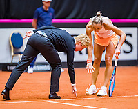 Den Bosch, The Netherlands, Februari 9, 2019,  Maaspoort , FedCup  Netherlands - Canada, second match : Arantxa Rus  (NED) in discussion with the umpire over a linecall<br /> Photo: Tennisimages/Henk Koster