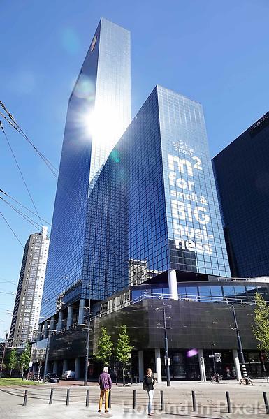 Nederland Rotterdam 2018 . De Delftse Poort. Het Gebouw Delftse Poort aan het Weena in het centrum van Rotterdam was tot mei 2009 het hoogste kantoorgebouw en de derde hoogste wolkenkrabber van Nederland. Het is in 1991 gebouwd, is 151 m hoog en heeft 41 verdiepingen. Het is ontworpen door Abe Bonnema. Foto Berlinda van Dam / Hollandse Hoogte