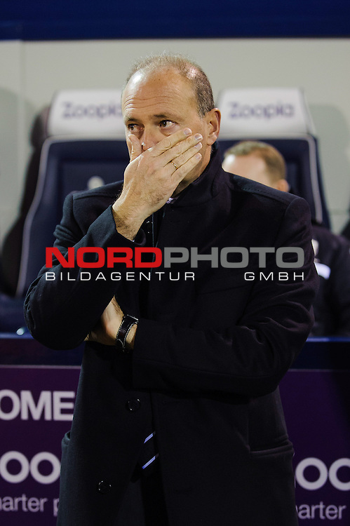 New West Brom Manager Pepe Mel looks on from the dugout before the match gets underway -  - 20/01/2014 - SPORT - FOOTBALL - The Hawthorns Stadium - West Bromwich Albion v Everton - Barclays Premier League.<br /> Foto nph / Meredith<br /> <br /> ***** OUT OF UK *****