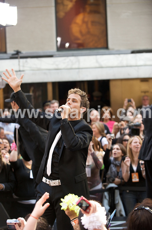 """**ALL ROUND PICTURES FROM SOLARPIX.COM**.**SYNDICATION RIGHTS FOR UK, AUSTRALIA, DENMARK, PORTUGAL, S. AFRICA, SPAIN & DUBAI (U.A.E) ONLY**.New Kids On The Block in Concert on NBC's """"Today Show"""" - May 8, 2009 at the Rockefeller Center in New York City, NY, USA.JOB REF:   8967  PHZ/Miller   DATE:  08.05.09.**MUST CREDIT SOLARPIX.COM OR DOUBLE FEE WILL BE CHARGED**.**ONLINE USAGE FEE GBP 50.00 PER PICTURE - NOTIFICATION OF USAGE TO PHOTO @ SOLARPIX.COM**.**CALL SOLARPIX : +34 952 811 768 or LOW RATE FROM UK 0844 617 7637**"""