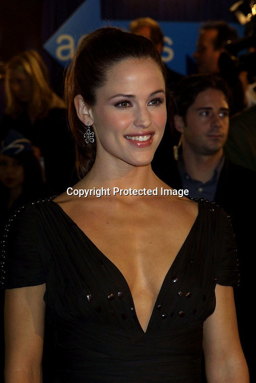 "©2002 KATHY HUTCHINS / HUTCHINS PHOTO."" CATCH ME IF YOU CAN"" PREMIERE.WESTWOOD, CA. 12/16/02.JENNIFER GARNER"
