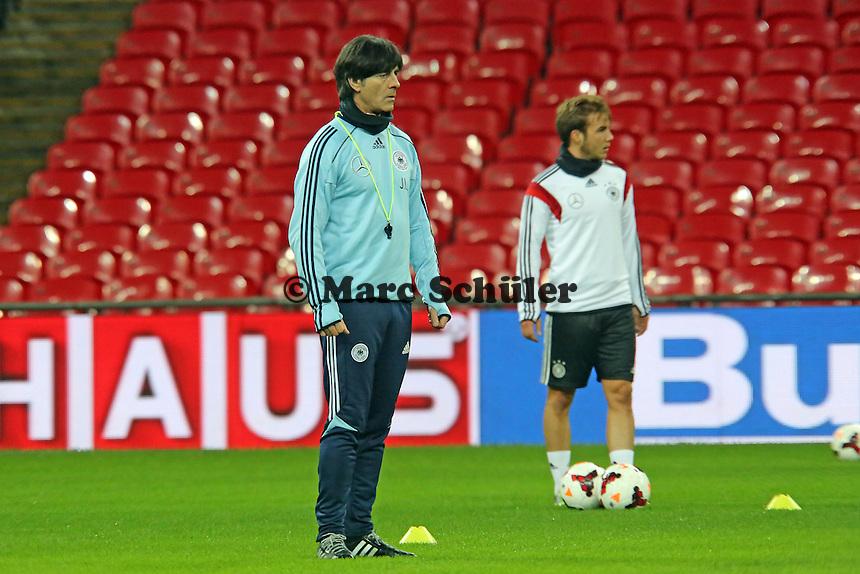 Bundestrainer Joachim Löw ud Mario Götze (D) - Abschlusstraining der Nationalmannschaft im Wembley Stadium