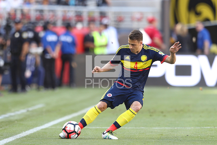Santa Clara, CA - Friday June 03, 2016: Colombia defender Santiago Arias (4) during a Copa America Centenario Group A match between United States (USA) and Colombia (COL) at Levi's Stadium.