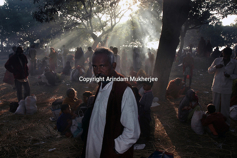 A Hindu pilgrim at Sonepur fair ground. Bihar, India, Arindam Mukherjee