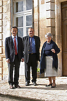 Xavier Perromat, winemaker, left and his brother and mother Chateau de Cerons (Cérons) Sauternes Gironde Aquitaine France
