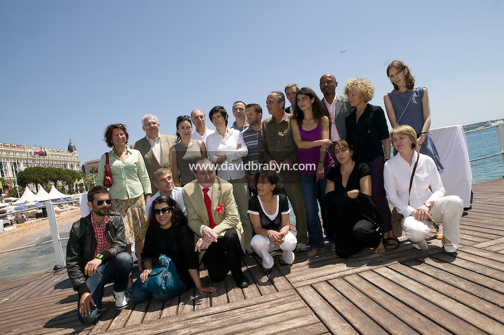 Photo d'equipe, dejeuner de presse, 20 ans de la Fondation Groupama-Gan pour le Cinema, Cannes, France, 18 mai 2007.