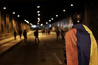BOGOTA - COLOMBIA, 16-12-2019: Fuertes disturbios se presentaron en la universidad Nacional de Colombia en Bogotá durante la jornada de paro Nacional en Colombia hoy, 16 de diciembre de 2019. La jornada Nacional que empezó el pasado 21 de noviembre de 2019 es convocada para rechazar el mal gobierno y las decisiones que vulneran los derechos de los Colombianos. / Hard riots occurred at Universidad Nacional de Colombia of Bogota during the National Strike day in Colombia today, December 16, 2019. The National Strike that began the past November 21, 2019, is convened to reject bad government and decisions that violate the rights of Colombians. Photo: VizzorImage / Diego Cuevas / Cont