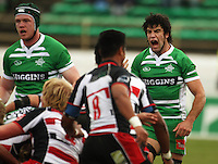 Manawatu captain Nick Crosswell calls his forwards back after they conceded a penalty at a scrum during the Air NZ Cup rugby match between Manawatu Turbos and Counties-Manukau Steelers at FMG Stadium, Palmerston North, New Zealand on Sunday, 2 August 2009. Photo: Dave Lintott / lintottphoto.co.nz