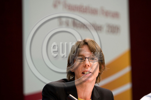 DUBLIN - IRELAND - 06 NOVEMBER 2009 -- Eurofound Forum - Global recession: Europe's way out. Niamh McCarthy, Head of EU Competition and Regulatory Law, British Airways  PHOTO: ERIK LUNTANG / EUP-IMAGES