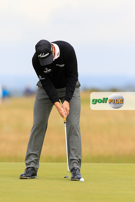 David HOWELL (ENG) putts on the 14th green during Monday's Final Round of the 144th Open Championship, St Andrews Old Course, St Andrews, Fife, Scotland. 20/07/2015.<br /> Picture Eoin Clarke, www.golffile.ie