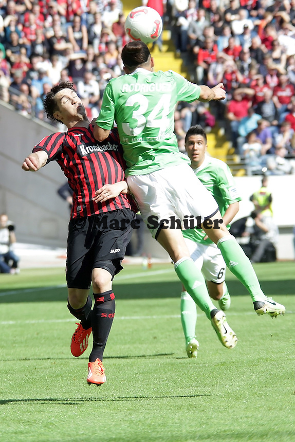 Ricardo Rodriguez (Wolfsburg) gegen Srdjan Lakic (Eintracht)