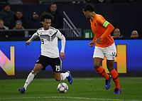Leroy Sane (Deutschland Germany) gegen Virgil Van Dijk (Niederlande) - 19.11.2018: Deutschland vs. Niederlande, 6. Spieltag UEFA Nations League Gruppe A, DISCLAIMER: DFB regulations prohibit any use of photographs as image sequences and/or quasi-video.