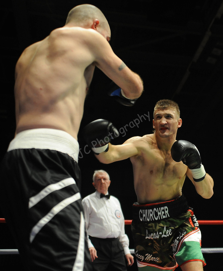 Lee Churcher (Camo shorts) V Lee Nickleson ( Black Shorts). Joe Calzaghe Promotions Boxing Evening .Date: Friday 20/11/2009,  .© Ian Cook IJC Photography, 07599826381, iancook@ijcphotography.co.uk,  www.ijcphotography.co.uk, .