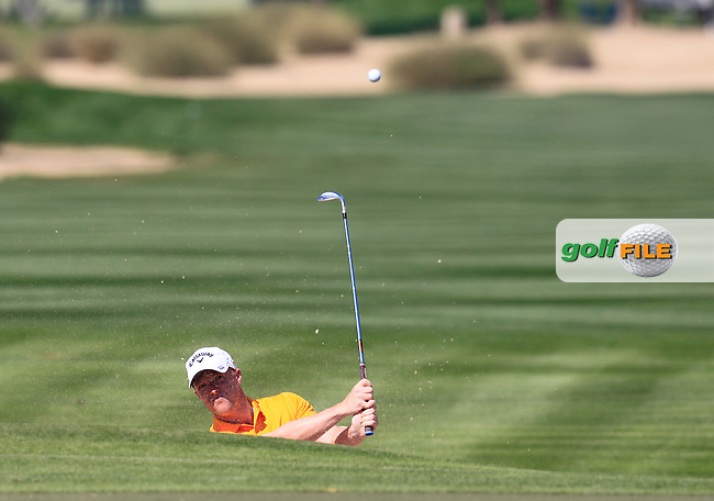 David HORSEY (ENG) chips out of a bunker at the 10th green during Thursday's Round 1 of the 2015 Omega Dubai Desert Classic held at the Emirates Golf Club, Dubai, UAE.: Picture Eoin Clarke, www.golffile.ie: 1/29/2015