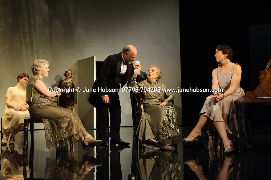 London, UK. 09.11.2015. WASTE, by Harley Granville Barker, directed by Roger Michell, opens at the National Theatre. Picture shows: Emerald O'Hanrahan (Lucy Davenport), Sylvestra le Touzel (Frances Trebell), Louis Hilyer (Russell Blackborough), Doreen Mantle (Countess Mortimer), Olivia Williams (Amy O'Connell). Photograph © Jane Hobson.