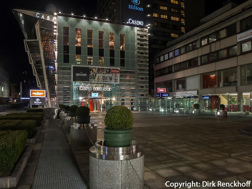Spielkasinino vor dem Hilton-Hotel, Innsbruck, Tirol, Österreich