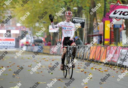 2012-11-10 / Veldrijden / seizoen 2012-2013 / Niel / Nieuwelingen / Yari Crollet..Foto: Mpics.be