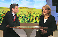 May 04, 2012 George Stephanopoulos interviews Barbara Walters on Good Morning America to discuss her 20/20 report on extreme parenting little people living in big world in New York City. Credit: RW/MediaPunch Inc.
