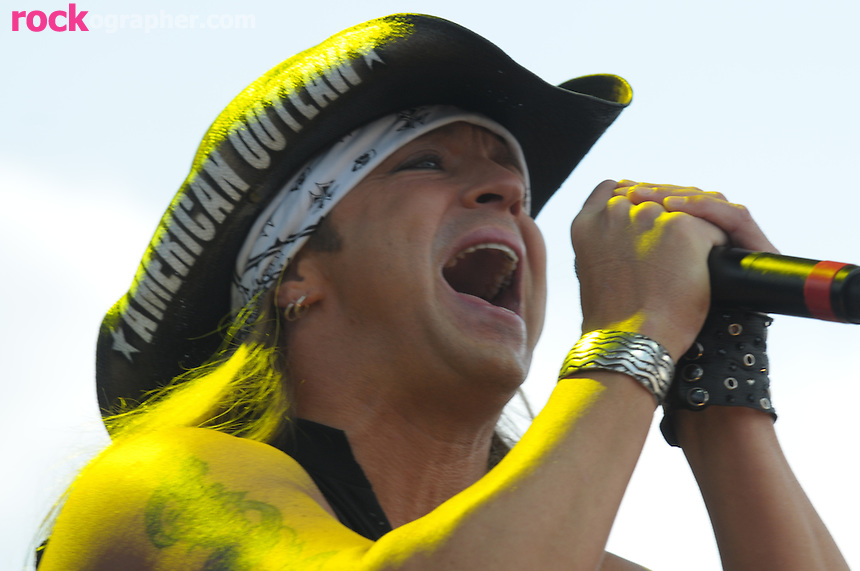 Ex Poisin Glam Metal Rock singer Bret Michaels from current hit Reality TV show Rock of Love performs at Bamboozle 08 at the Meadowlands NJ