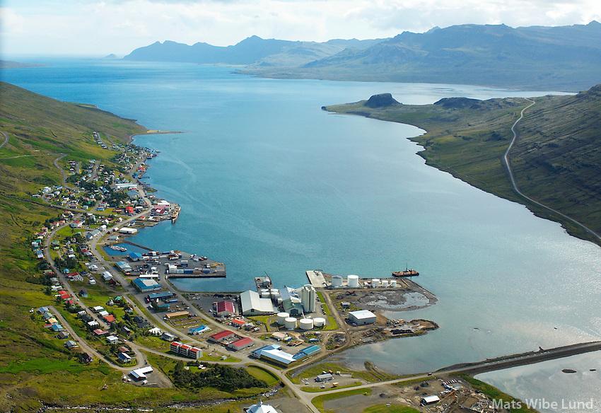 Eskifjörður séð til suðausturs, Fjarðabyggð /..Eskifjordur viewing southeast, Fjardabyggd
