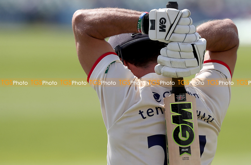 Ryan ten Doeschate of Essex takes to the field ready to bat during Kent CCC vs Essex CCC, Specsavers County Championship Division 1 Cricket at the St Lawrence Ground on 20th August 2019