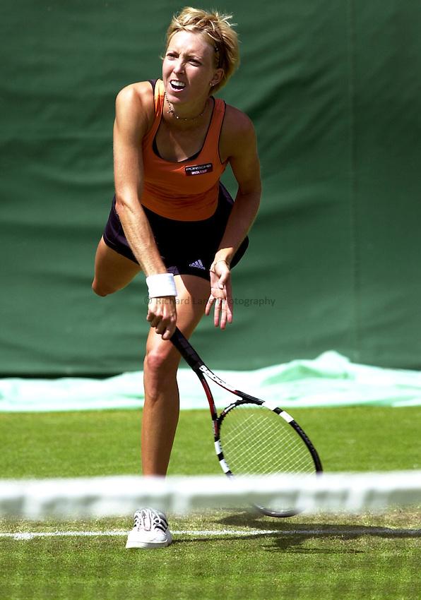 Photo: Richard Lane..DFS Classic Women's International Tennis at Edgebaston. 10/06/2003..Tara Snyder.