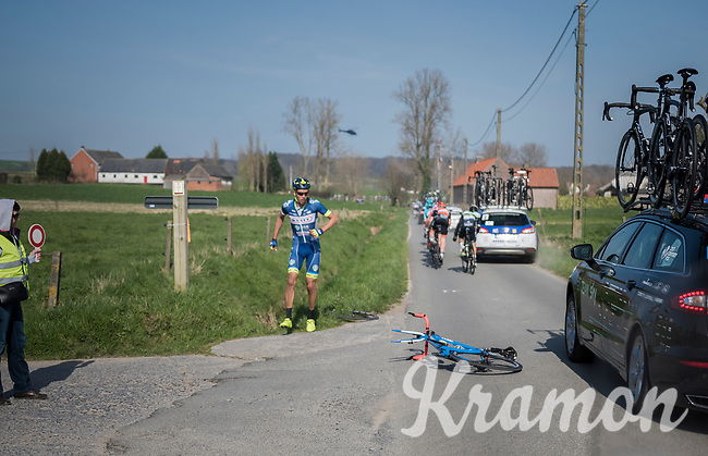 crash by Simone Antonini (ITA/Wanty - Groupe Gobert)<br /> <br /> 60th E3 Harelbeke (1.UWT)<br /> 1day race: Harelbeke &rsaquo; Harelbeke - BEL (206km)