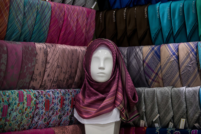 23 JAN, 2018, Jakarta, Indonesia: Some headscarves on display for sale at Shapiro fashion shop. The rise of Islamic fashion is bringing massive revenue boosts to the sector and to the Indonesian economy and individual designers and fashion industry as a whole. Pictured in Jakarta by Graham Crouch for Luzerner Zeitung