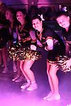 27.10.2018,  Lueneburg GER, VBL, SVG Lueneburg vs VCO Berln im Bild Feature die Cheerleader der SVG Lueneburg im Lichtstrahl/ Foto © nordphoto / Witke