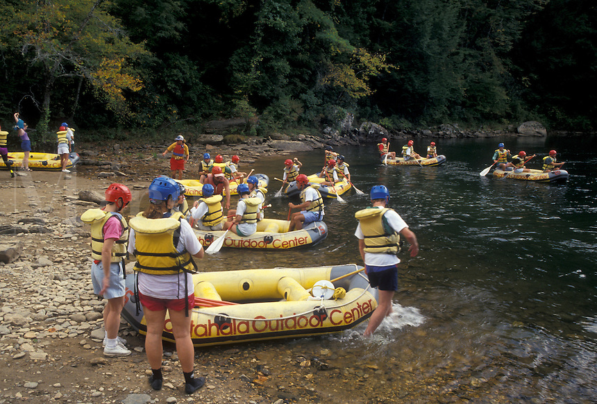 AJ4123, white water rafting, Chattooga River, North Georgia, Appalachian Mountains, People getting ready to go white water rafting on the Chattooga Wild & Scenic River in the state of Georgia.