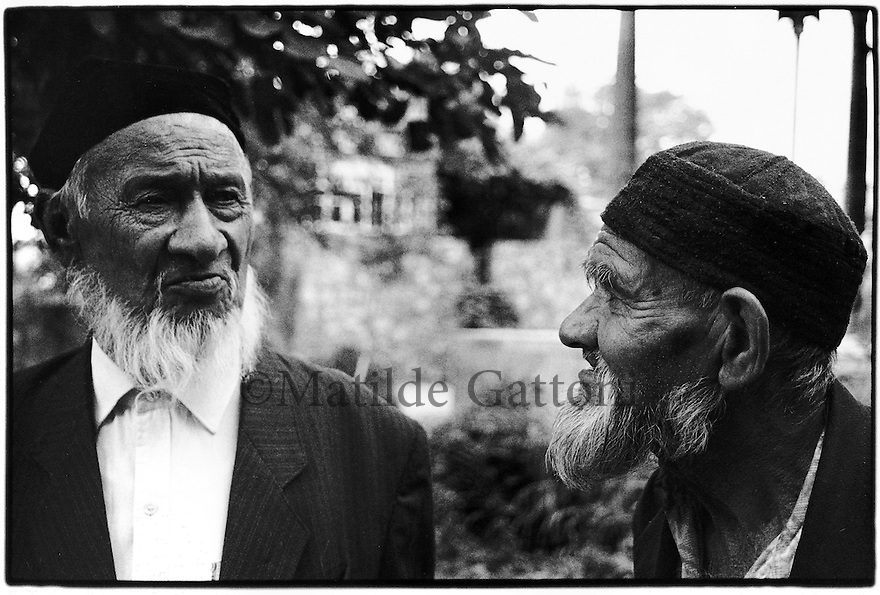 Uzbekistan - Portrait of two old Uzbeks.