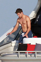 ZAC EFRON IN SAINT TROPEZ