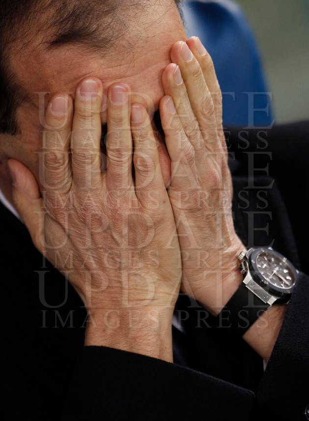 Calcio, Serie A: Lazio vs Juventus. Roma, stadio Olimpico, 4 dicembre 2015.<br /> Juventus coach Massimiliano Allegri covers his face as he waits for the start of the Italian Serie A football match between Lazio and Juventus at Rome's Olympic stadium, 4 December 2015.<br /> UPDATE IMAGES PRESS/Isabella Bonotto